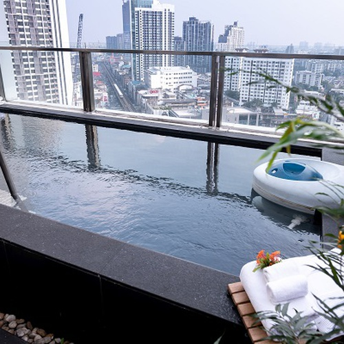 Pool residential suite Jasmine Resort Hotel Bangkok